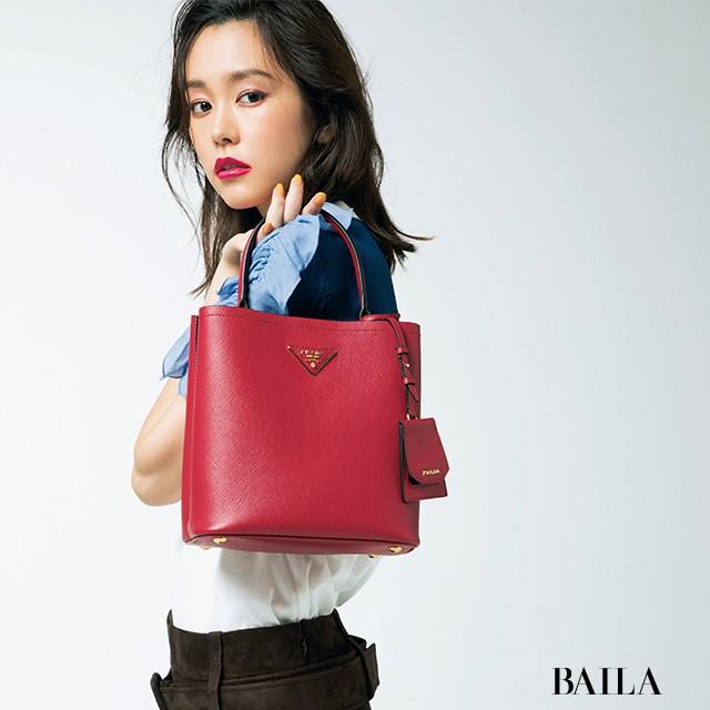 super popular 2b40c 09e7d タフでチャーミングな【プラダ(PRADA)】のバッグと財布に注目 ...