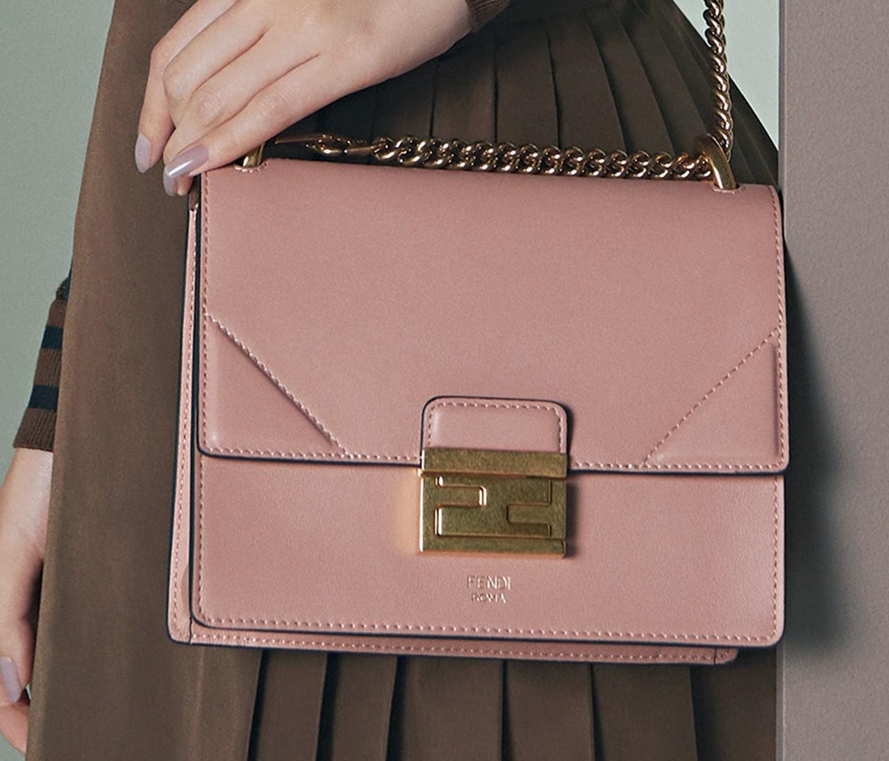 【春のご褒美ミニバッグ】「フェンディ」は春めくベビーピンクのバッグが可愛い♡