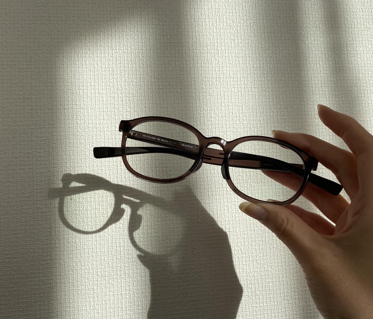 疲れ&黄ばみ防止効果も!?ブルーライトカットメガネを3年続けた結果