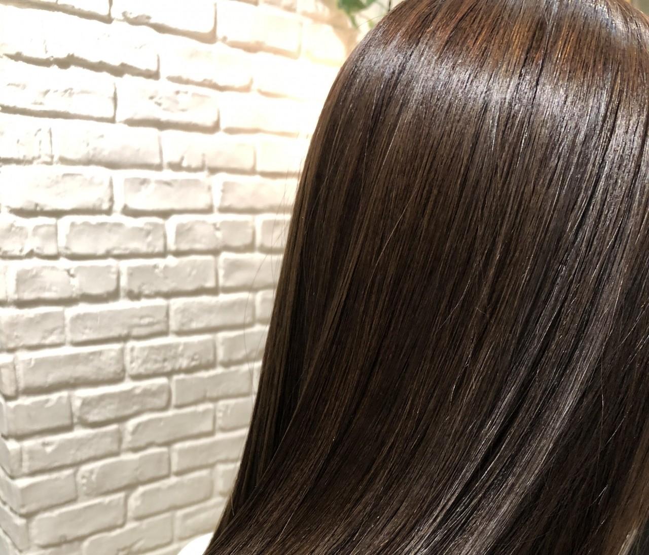 秋のヘアカラーで人気の《オーガニックベージュ》にヘアチェンジ