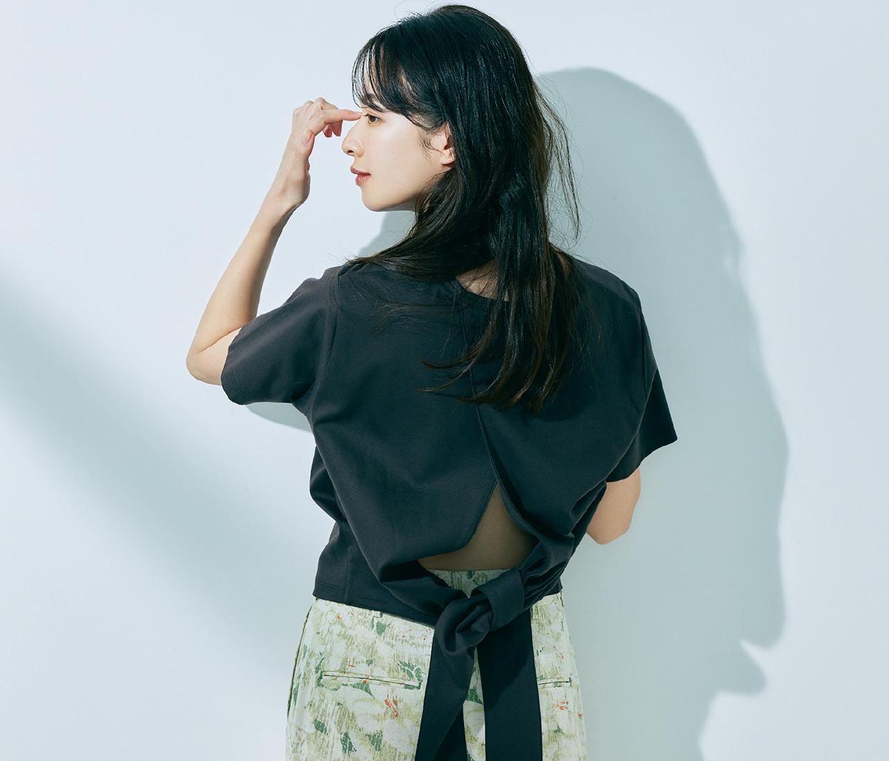 【大人のTシャツ2021】肌見せもメンズっぽさも。スタイリスト百々千晴さんのイチ推しTシャツ6選