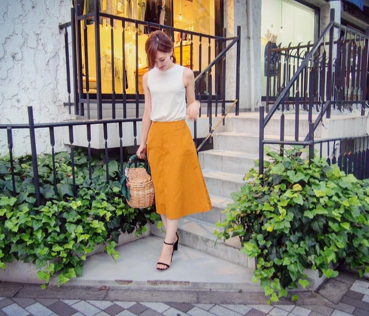 ★オーダーしてた秋色スカートで展示会巡り