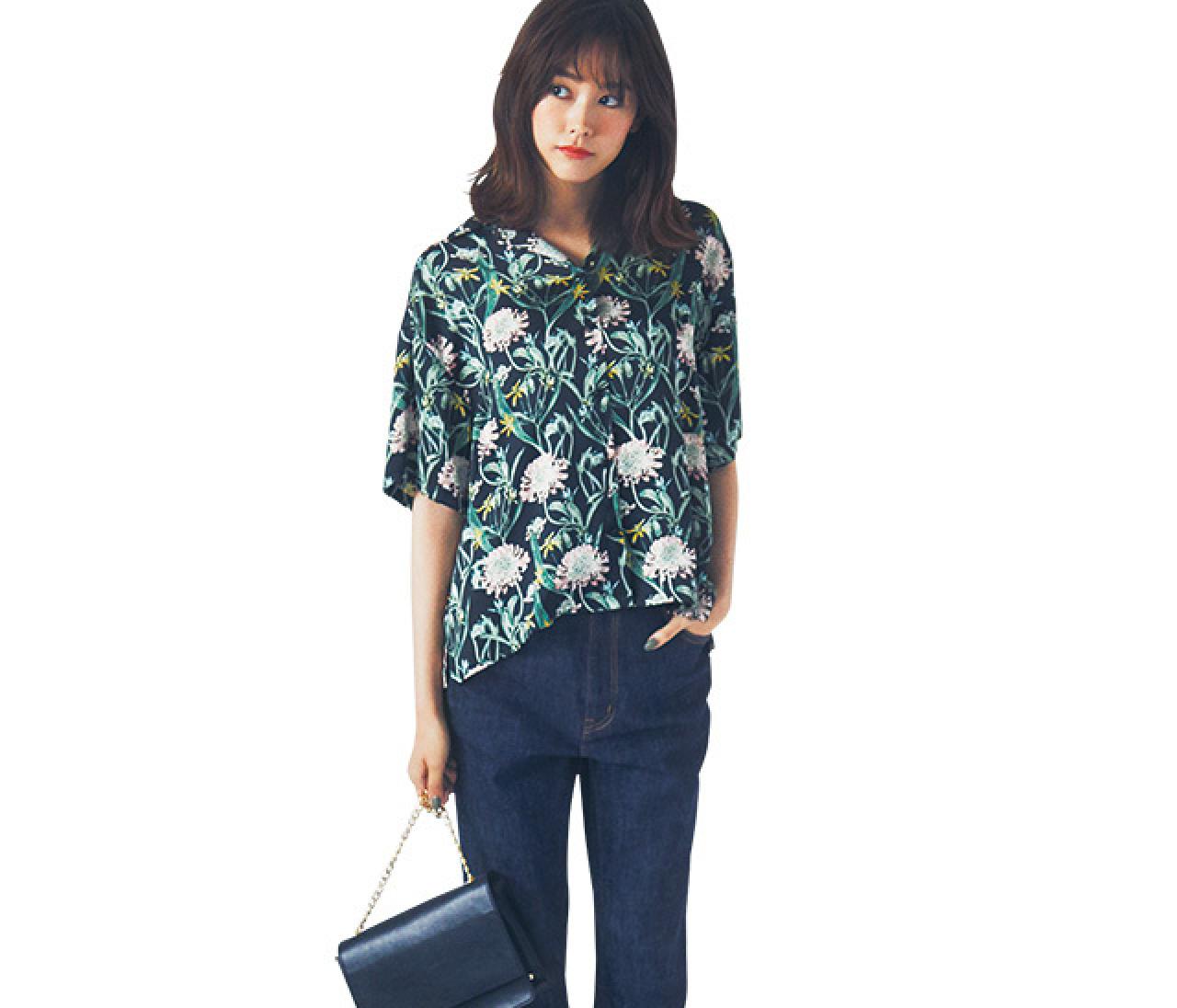 夏のインパクトシャツは、品のあるデニムで大人カジュアルに!【2018/7/1のコーデ】