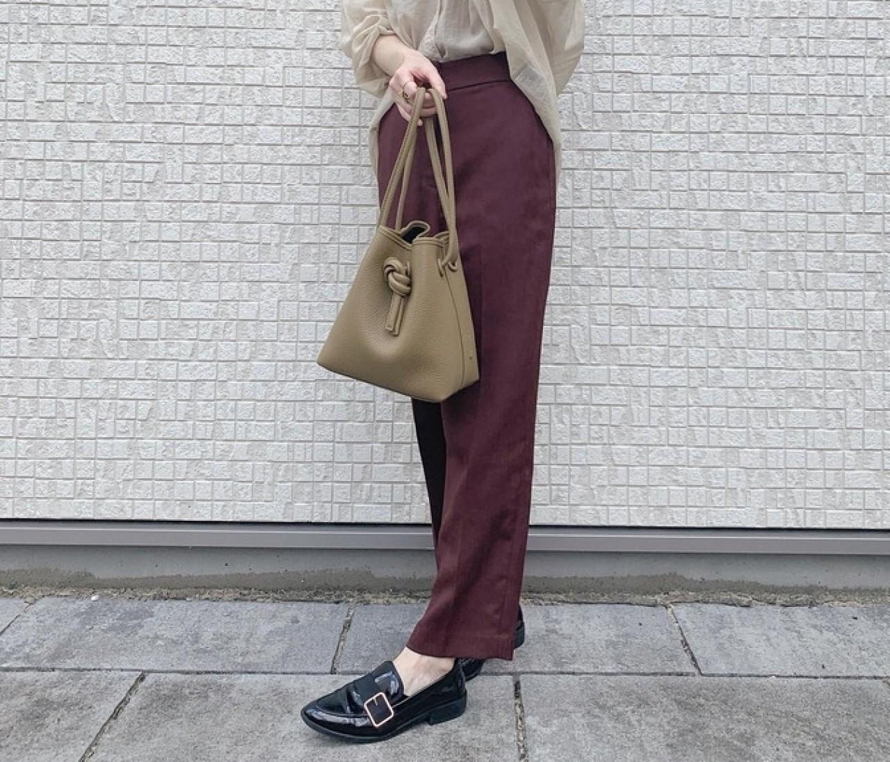【アラサー&30代読者モデルが買った靴】withコロナで足元に変化!ローファー・フラットシューズ・ボリュームスニーカーの秋コーデまとめ