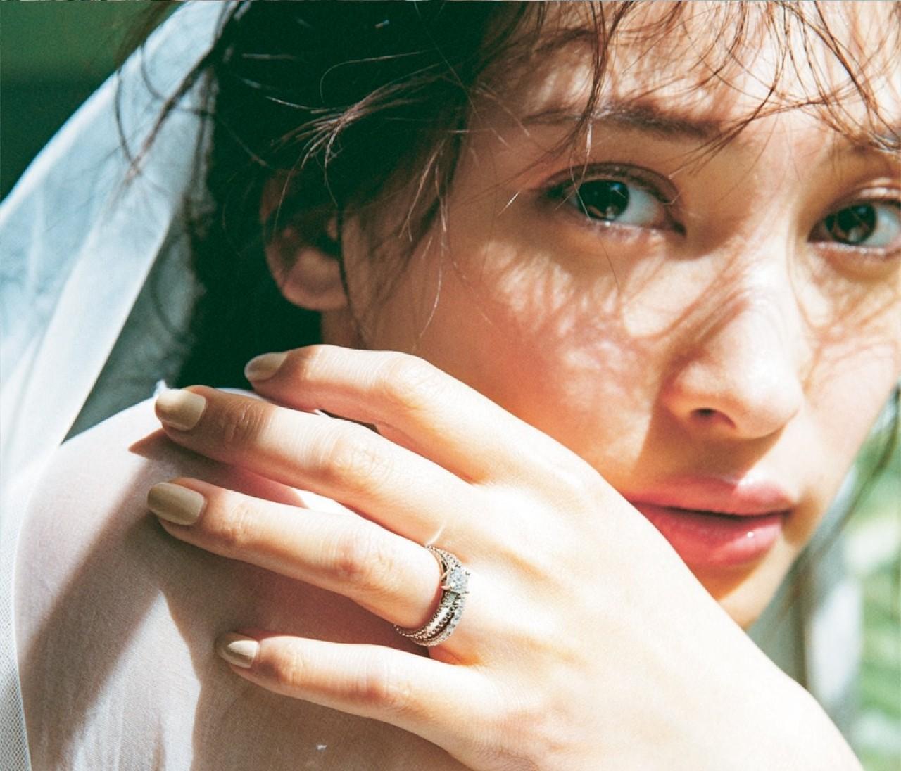 【ヴァン クリーフ&アーペルの結婚指輪】ソリティアもエタニティも、ロマンティックなヴァンクリで!