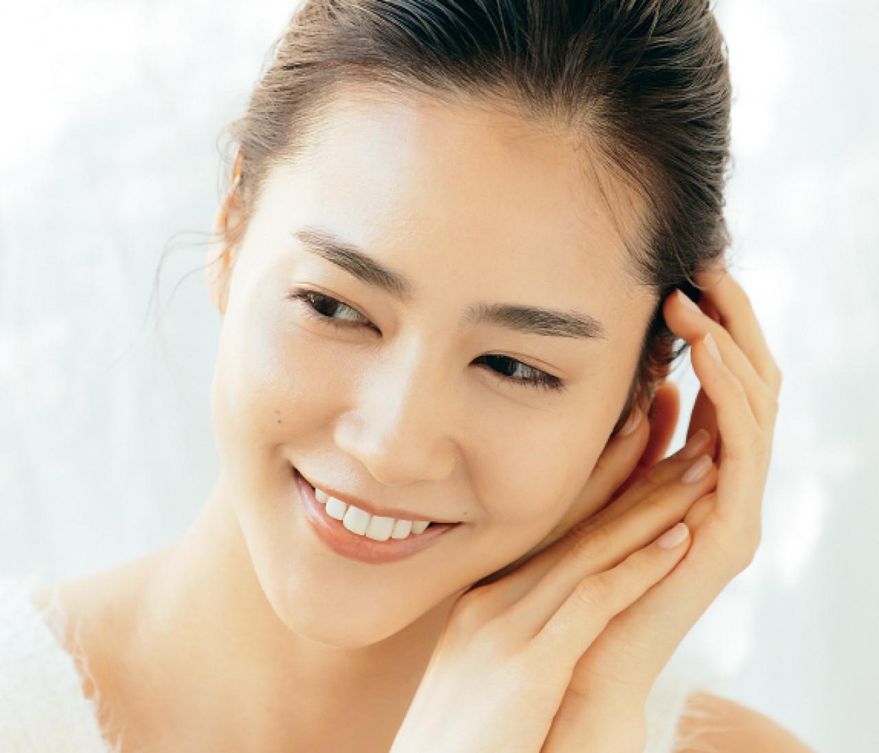 【乾燥肌対策まとめ】美容プロは「クリーム・オイル・スチーム」推し!30代のおすすめ保湿コスメもピックアップ