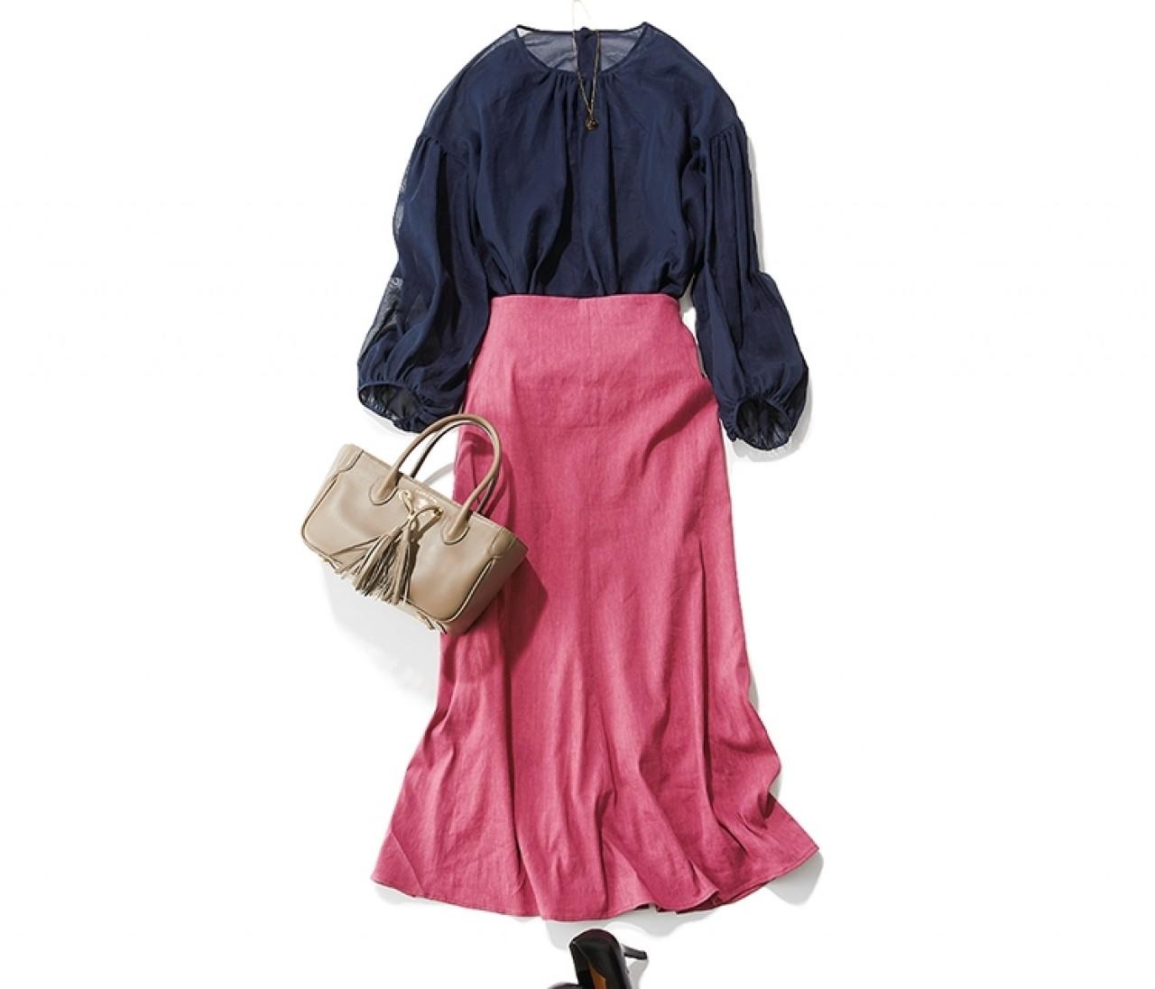 サロンコンサートに行く日は、透けネイビーのブラウスをピンクスカートで華やげて【2019/7/15のコーデ】