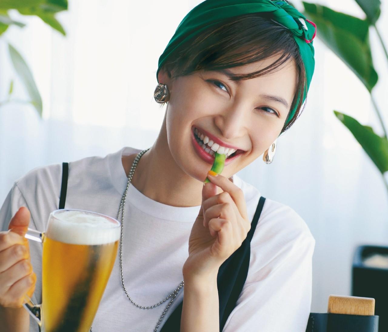 【Zoom映えアクセサリー】女友達と飲むなら大ぶりアクセでセンスのよさをアピール!
