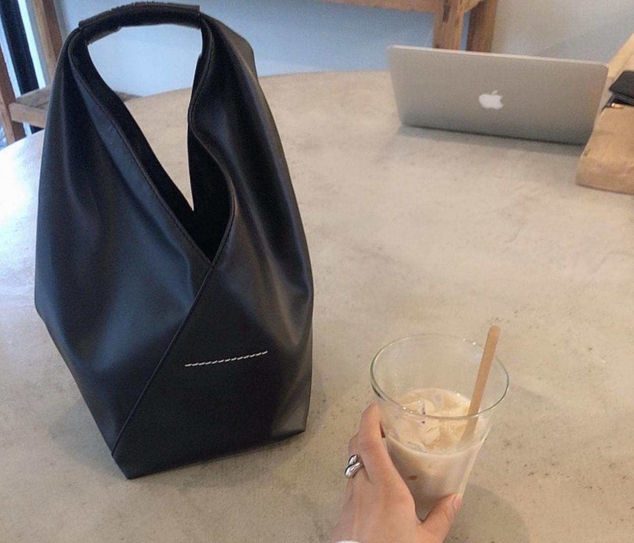 【Maison Margiela】手持ちバッグ 普段使いのアクセントに!