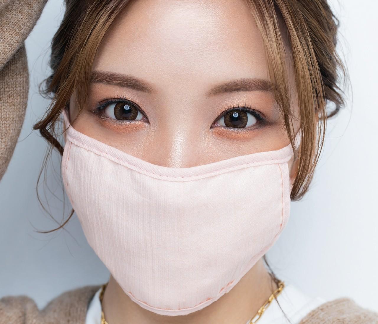 30代のマスクメイク、布系×大人可愛いならこれが正解!【ざわちんのマスク別アイメイクがすごい3】