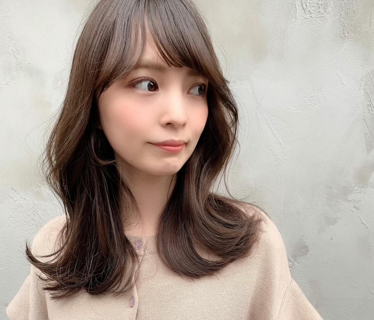 韓国で人気のヨシンモリ♡くすみグレージュで冬のゆるかわヘアスタイル