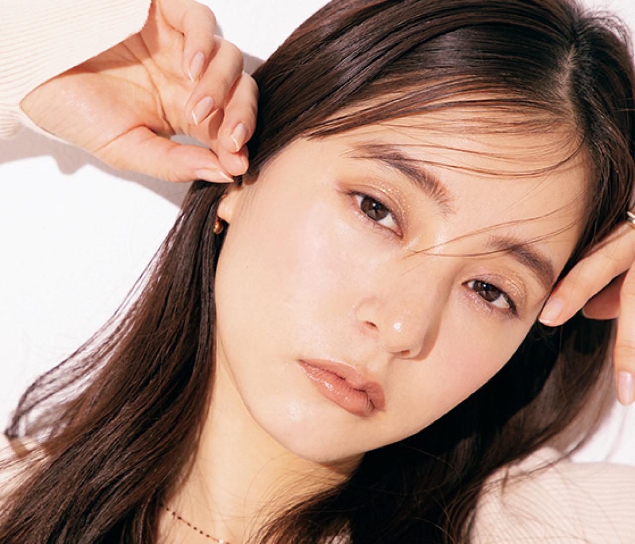 【新木優子】春の大人アイメイク、グリッターの輝きをプラスするなら?アイシャドウ編
