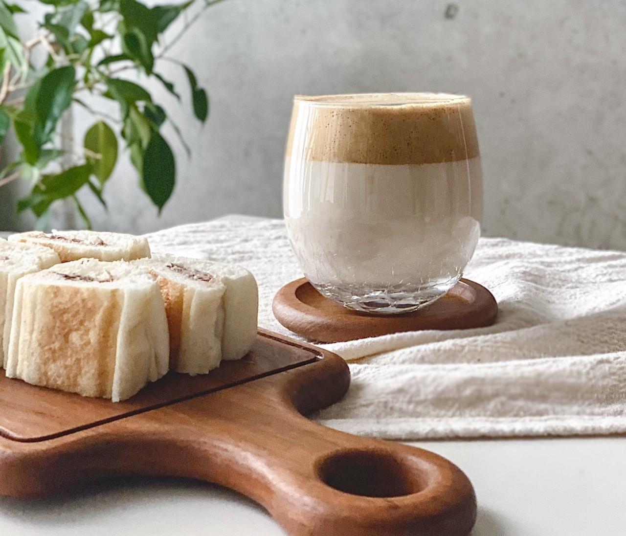 100均アイテムで【ダルゴナコーヒー】バズるおうちカフェ♪