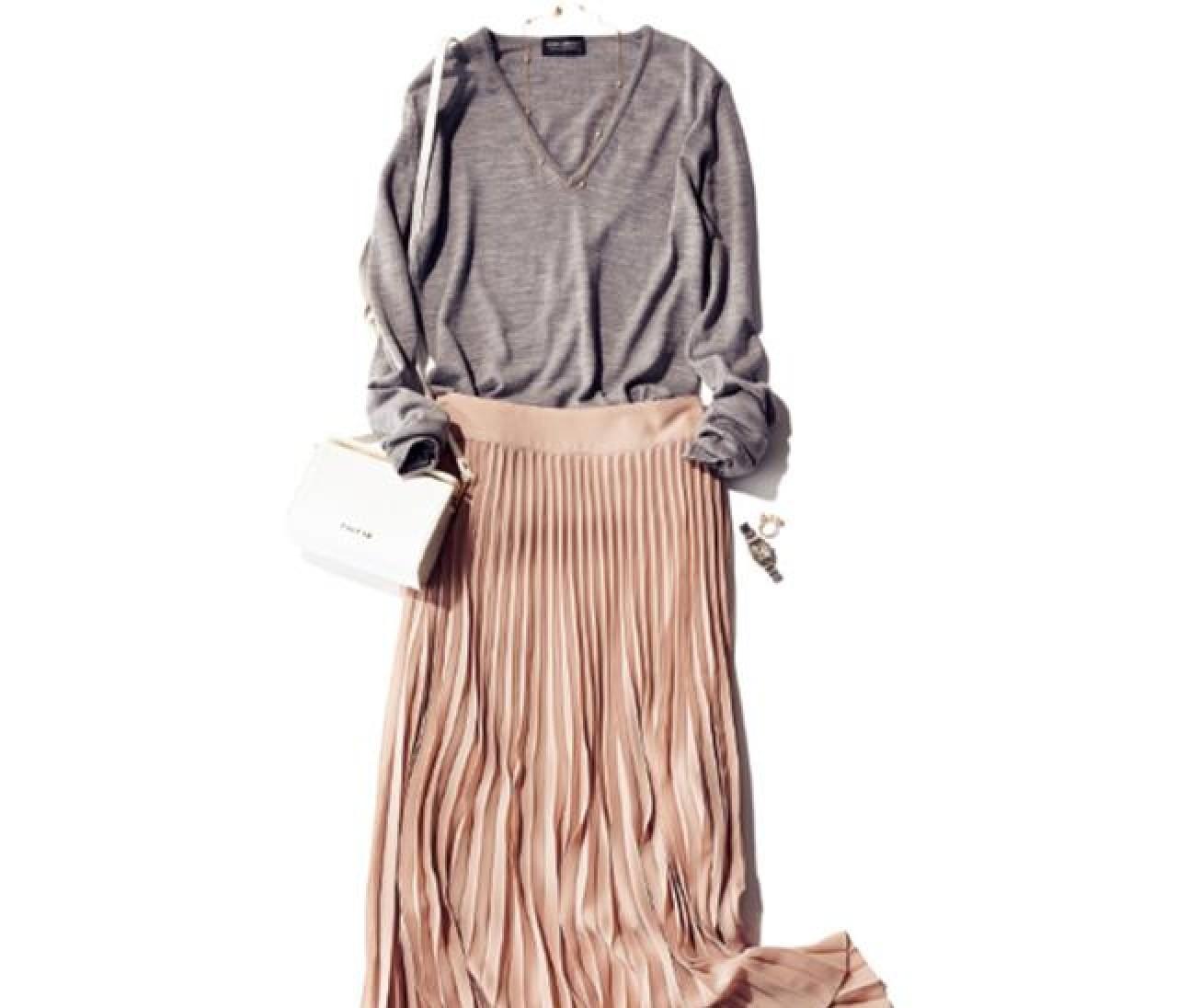 いまこそ!「プリーツスカート」の女らしさをインストール