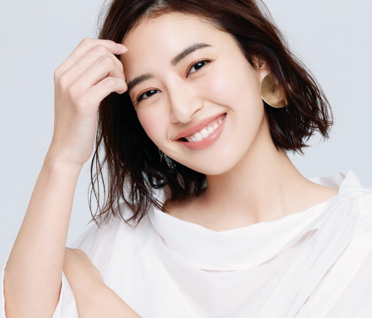 【春のオフィスリップ】イエベ肌×女顔「アプリコット姫」はコーラル系ベージュリップ