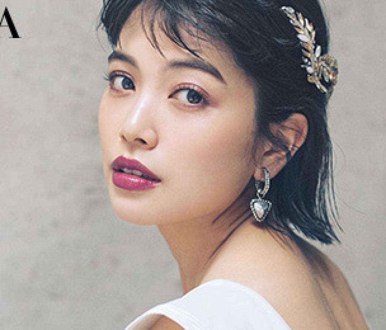 林由香里さんが提案! ミニマムなウエディングドレスに合わせたいモードな花嫁メイク