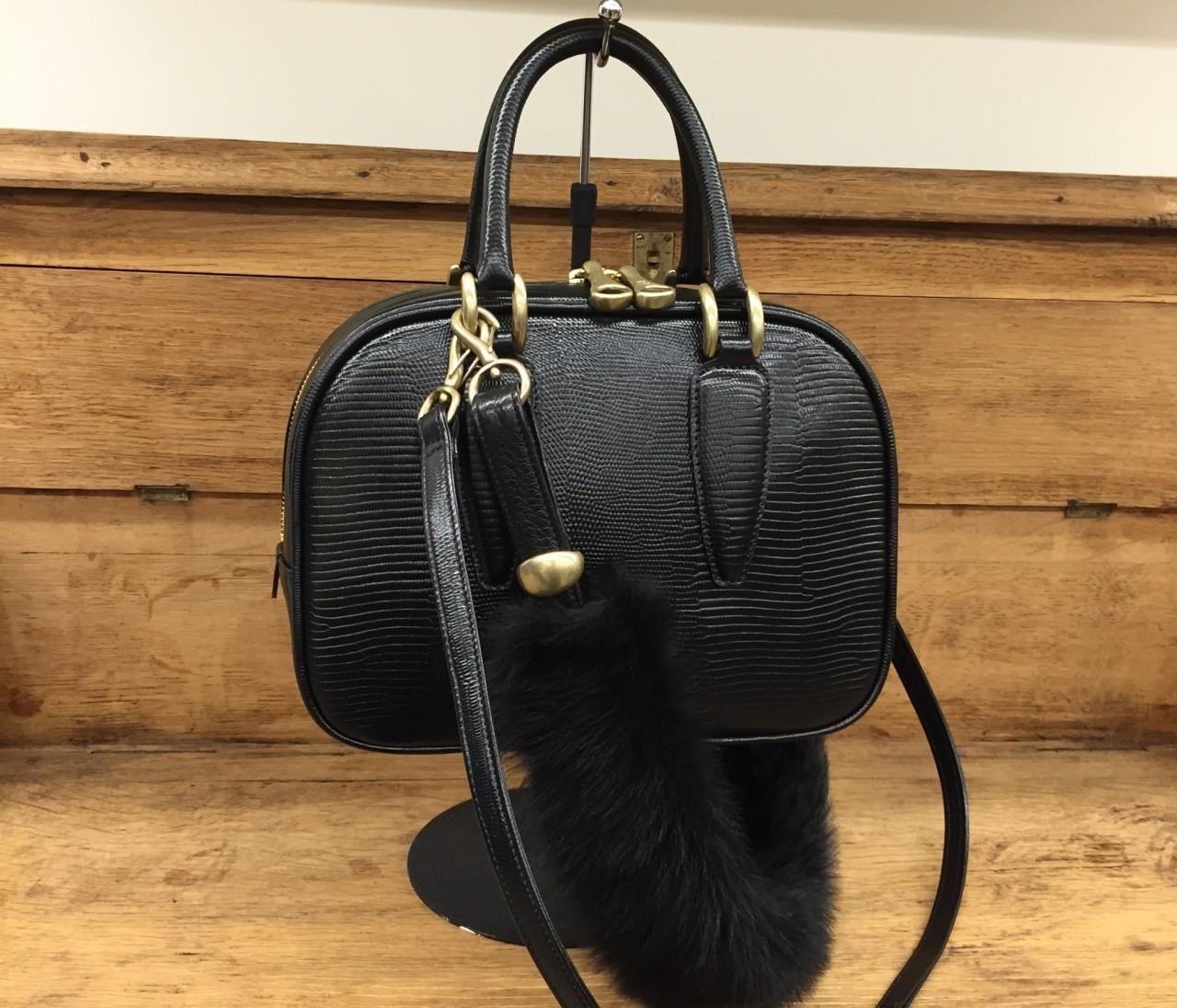 お財布やバッグ、トフ&ロードストーンの秋冬がいい感じ!