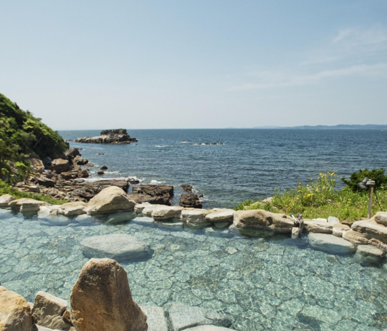 空と海と温泉が一体となる露天風呂。夏のお出かけ和歌山編①【関西のイケスポ】
