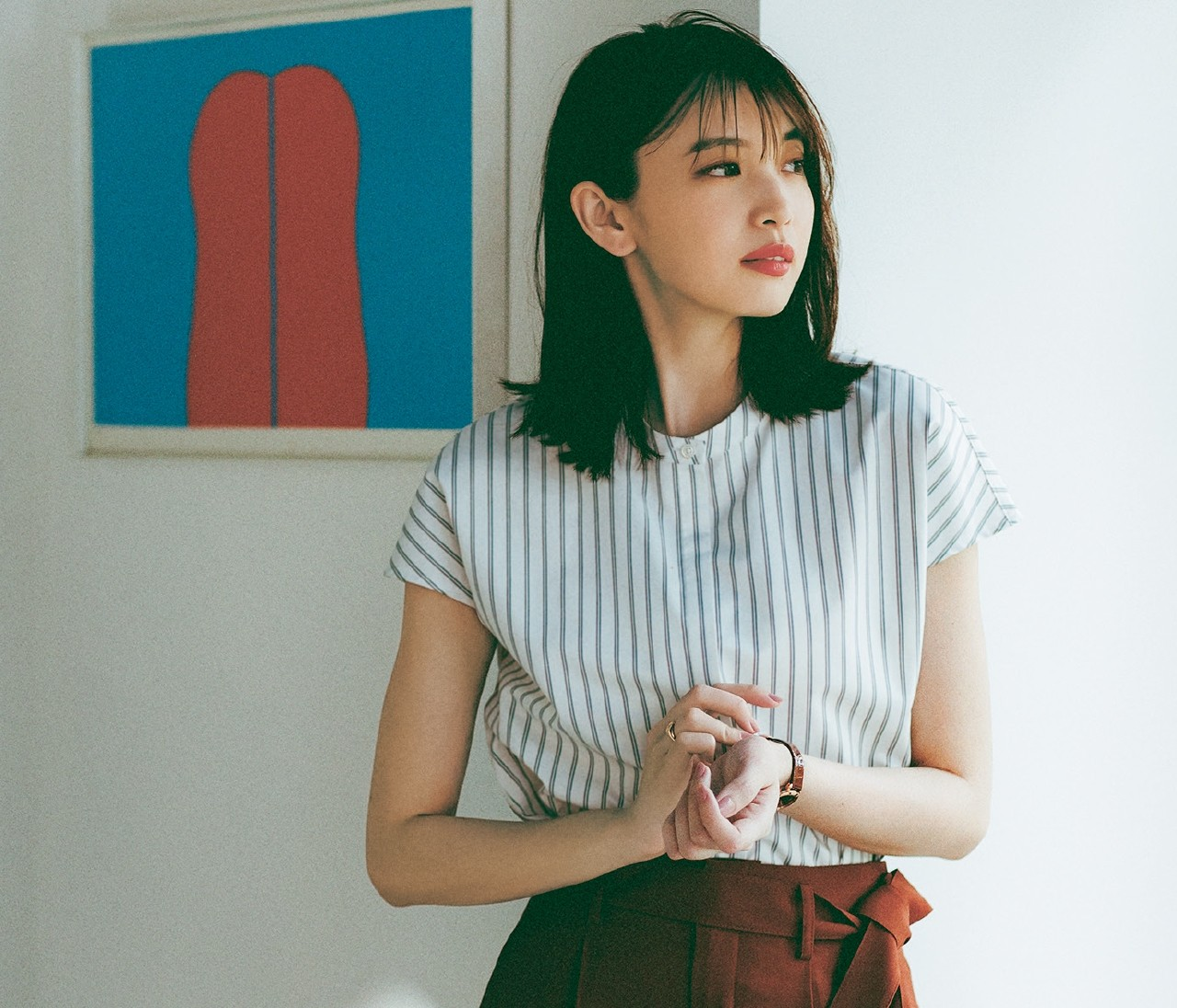 【30代女性の働くおウチ服】リモート会議の日はバンドカラーシャツ&袖コンブラウスで印象アップ♡