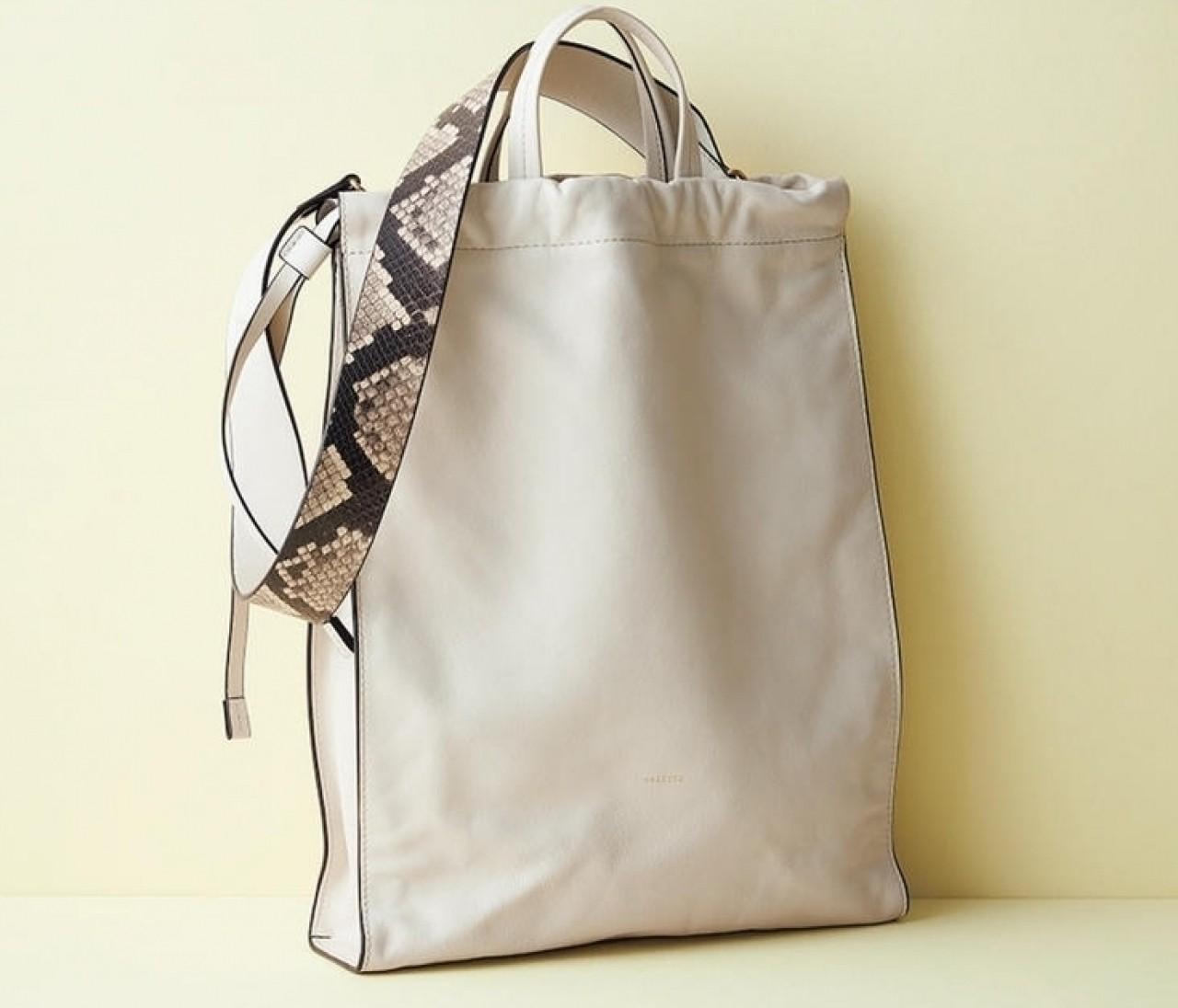 【秋の新作バッグ】軽くて大容量。ノートPCを入れやすい縦長トートバッグ5選