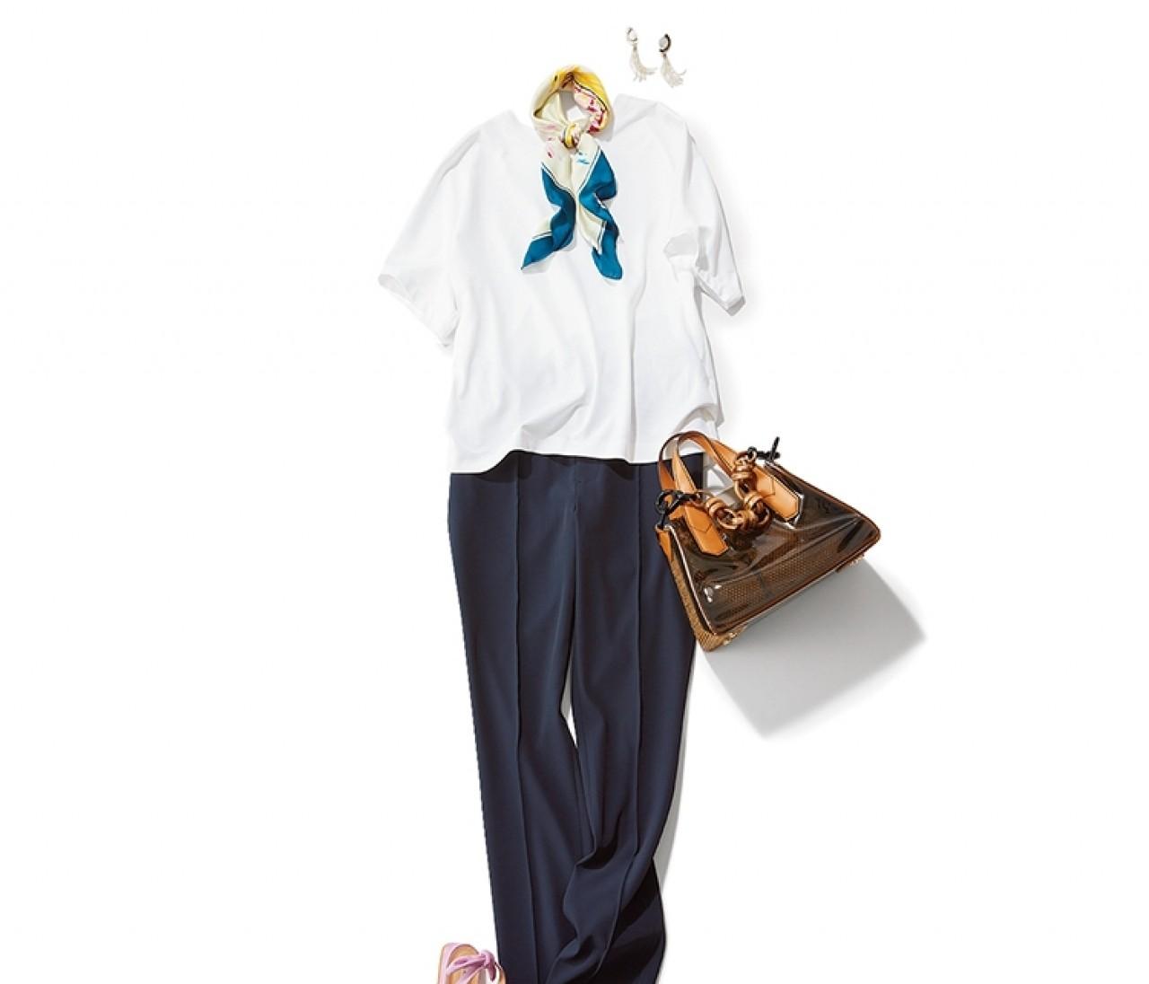 3連休明けの出勤は、白T×好感度ネイビーパンツのさわやかスタイル!【2019/7/16のコーデ】