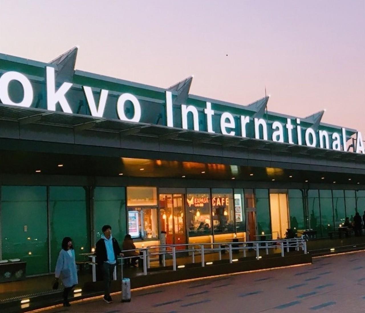 【プラネタリウム×カフェ×空港】という、最高に癒される圧倒的非日常空間があった