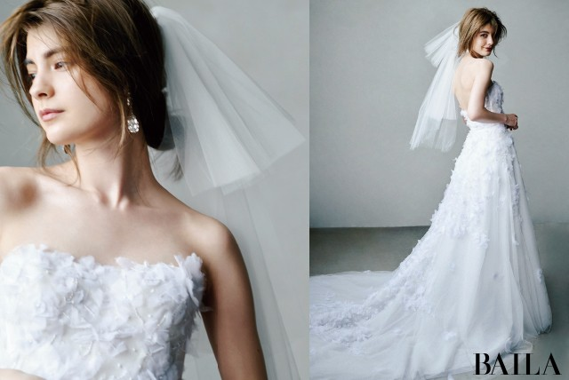 後ろ姿の美しいドレス5