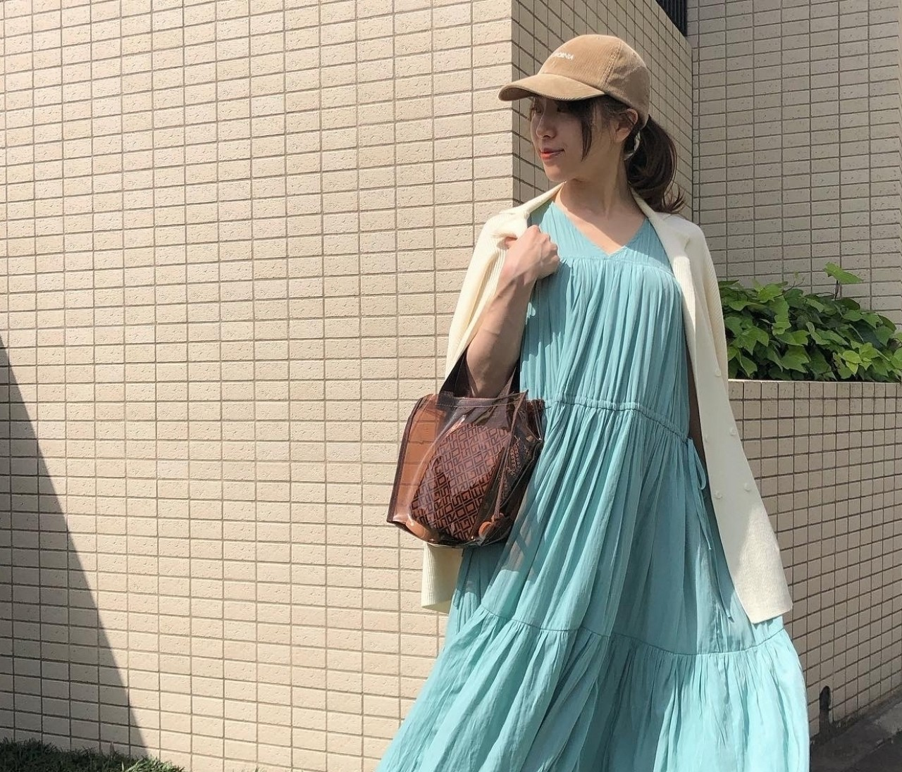 夏コーデに映える♡バイラ付録【セルジオロッシのトート】