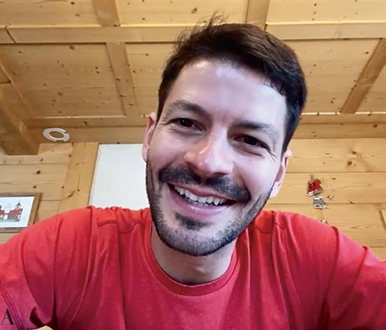 【ステファン・ランビエール】BAILA独占インタビュー!スイスの自宅からリモートで登場!