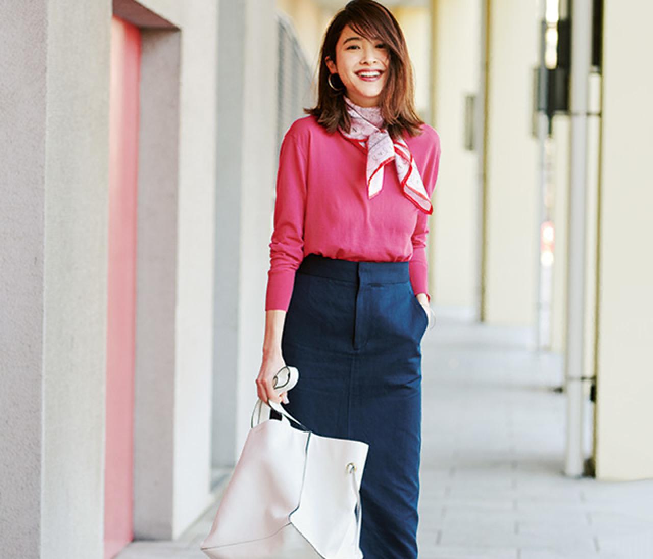 大人っぽくて華やか♡ 春の〝ゆる華通勤〟コーデは、ピンク×ネイビーで!