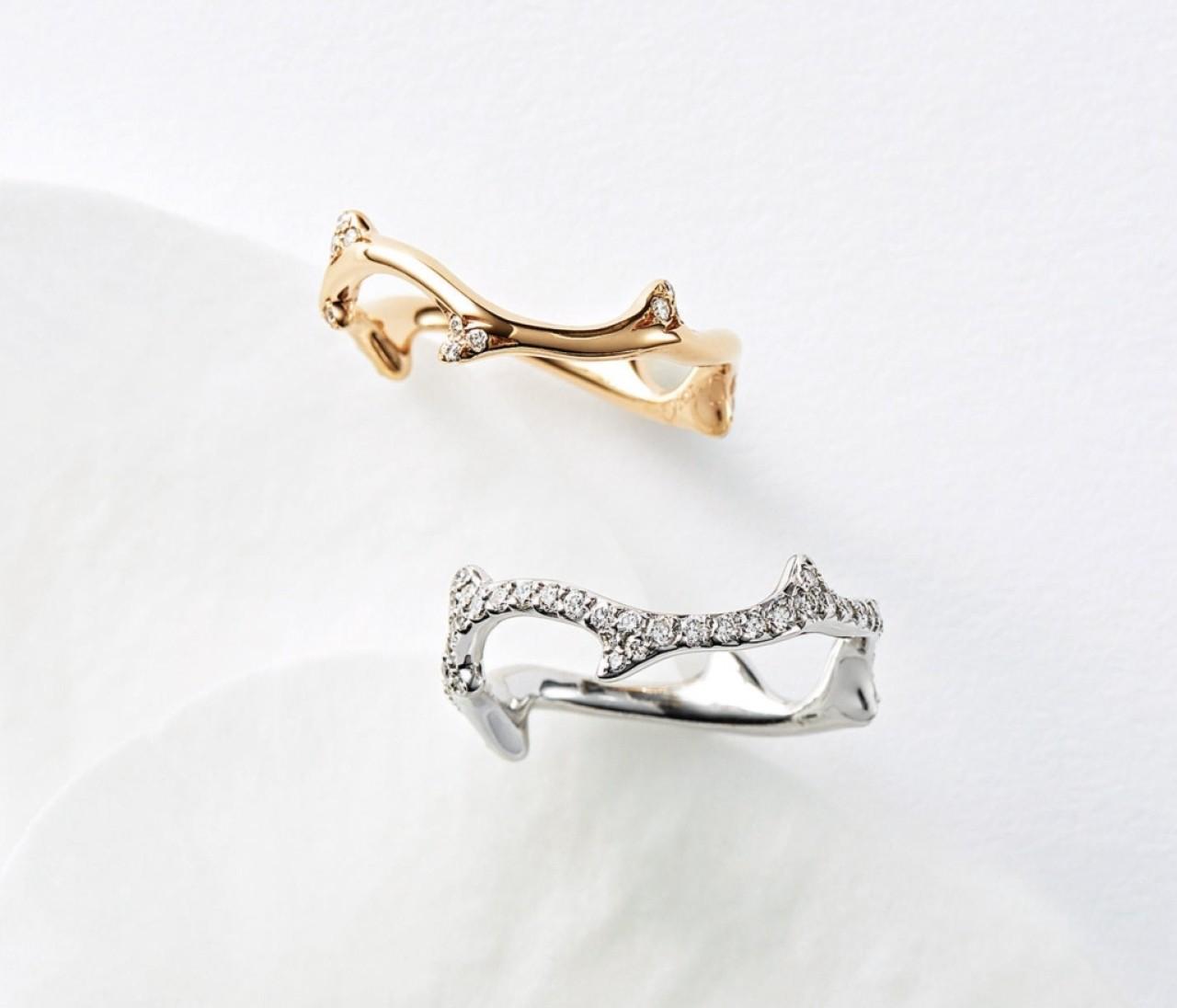 【ディオールの結婚指輪&婚約指輪】センスあふれるデザインで特別な花嫁に