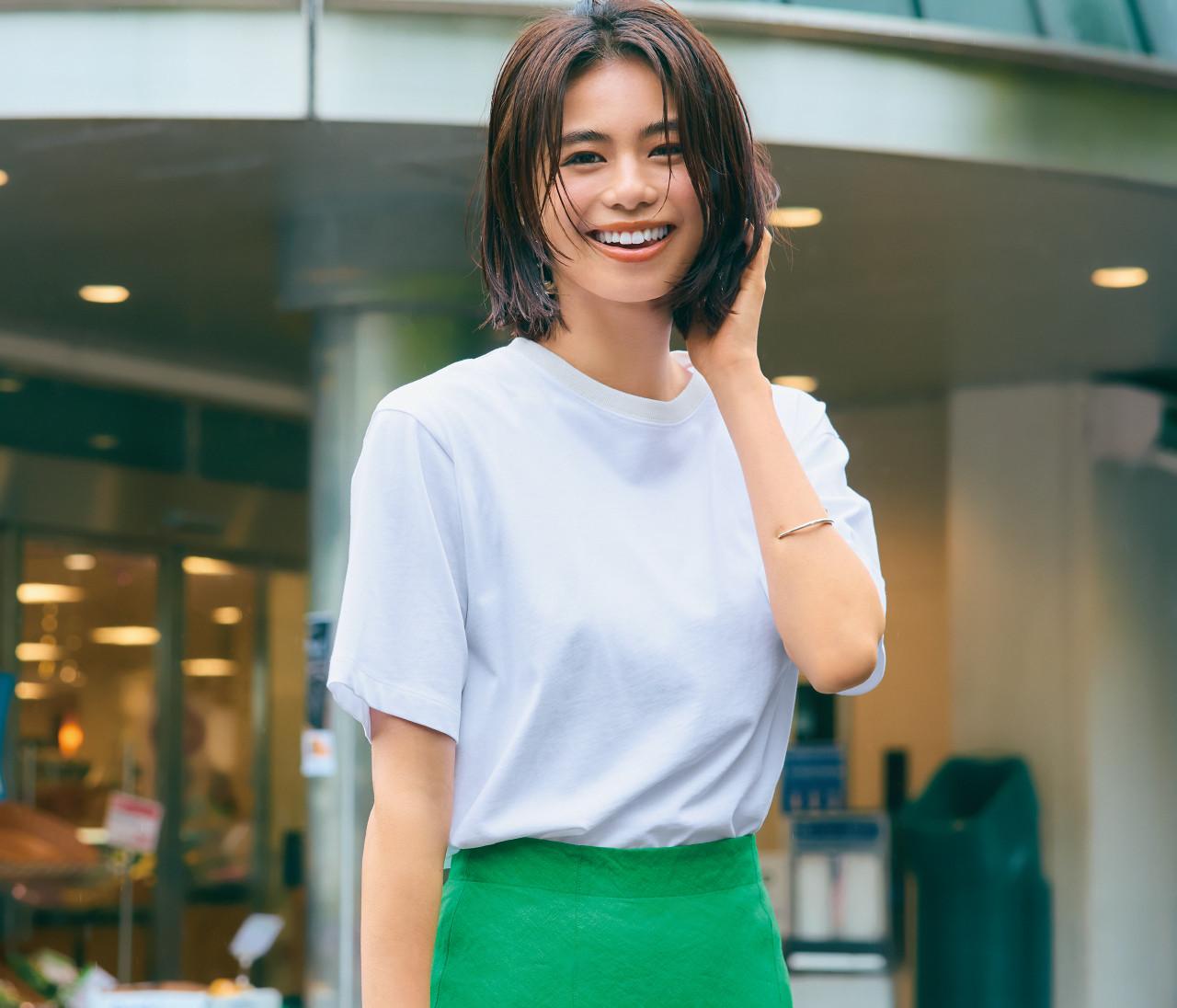 【白Tシャツ6コーデ】フレンチ袖やスリット入り、大人に似合う新作6選!