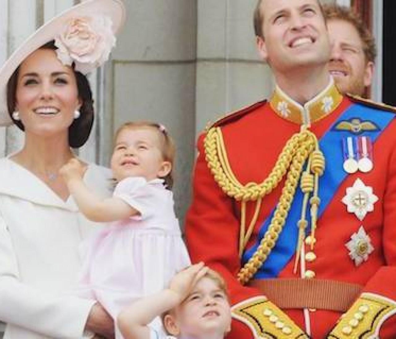 女王生誕90年式典で、英国王室全員集合!