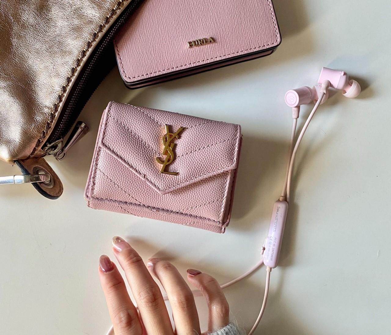 【バッグの中身】YSL・FURLAの大人なピンクカラー小物