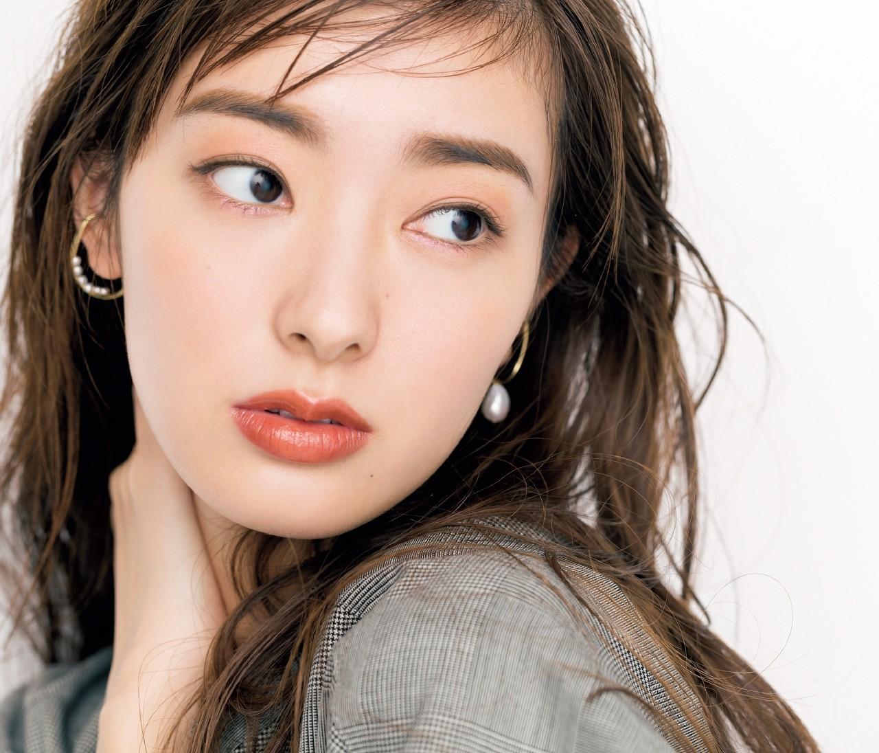 【長井かおりさんの眉メイク】眉ブラシで美人眉をつくる簡単プロセス