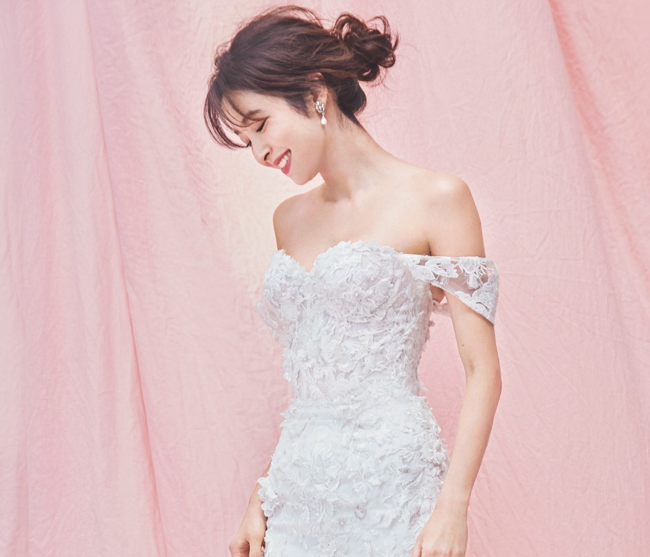 女らしさが高まる運命のウエディングドレス