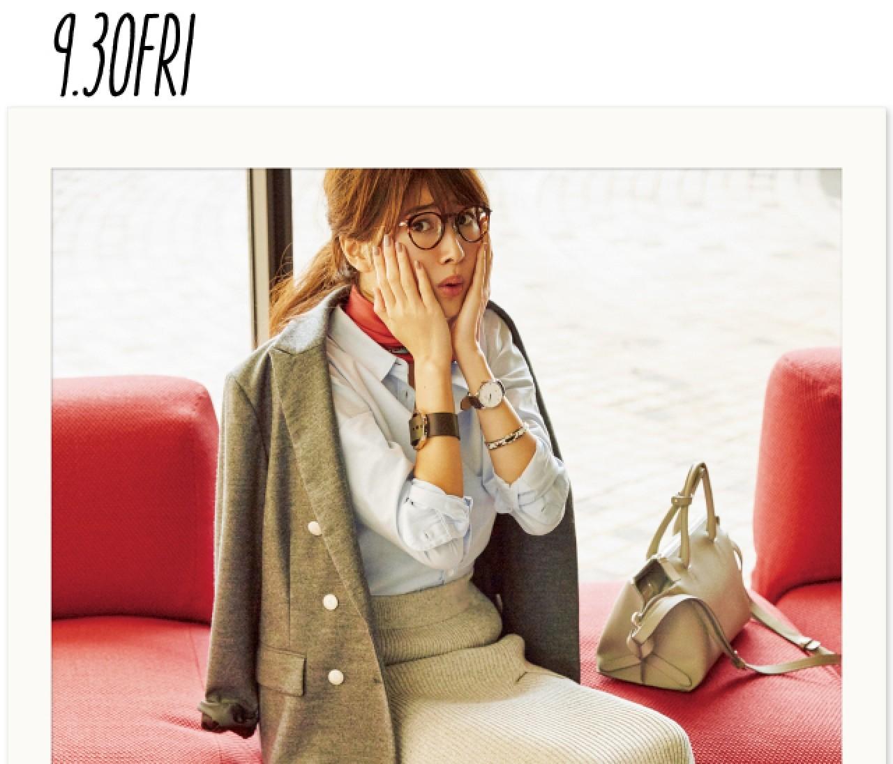 定番の通勤スタイルは、秋色スカーフ&靴のサンドイッチで可愛げを!