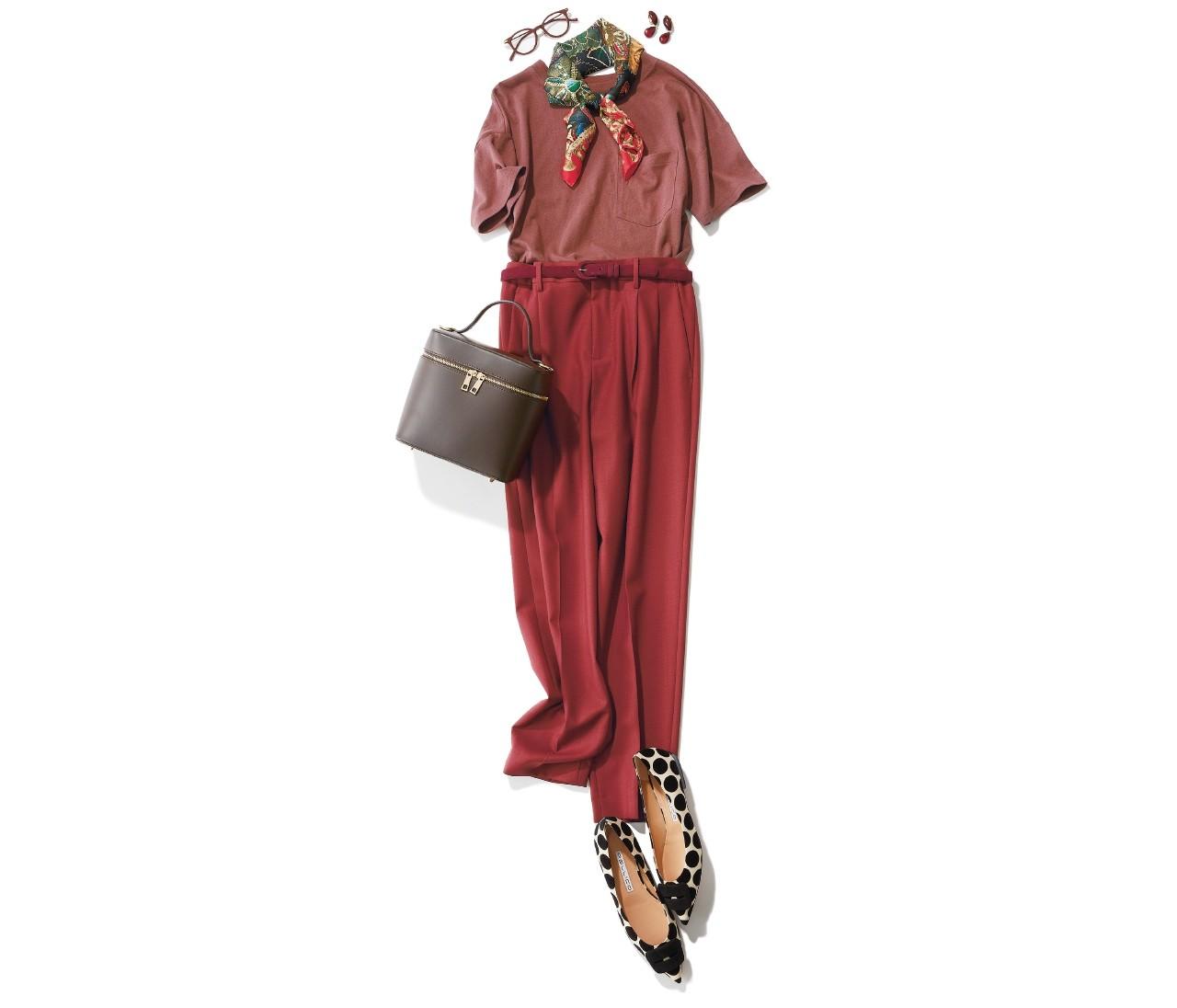 いち早く秋を取り入れたいなら「赤みブラウン」を色っぽく着る。