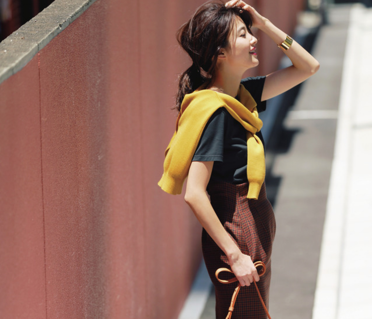 外回りの日は、一足早い〝秋色配色〟なスニーカースタイルで【2018/8/10のコーデ】