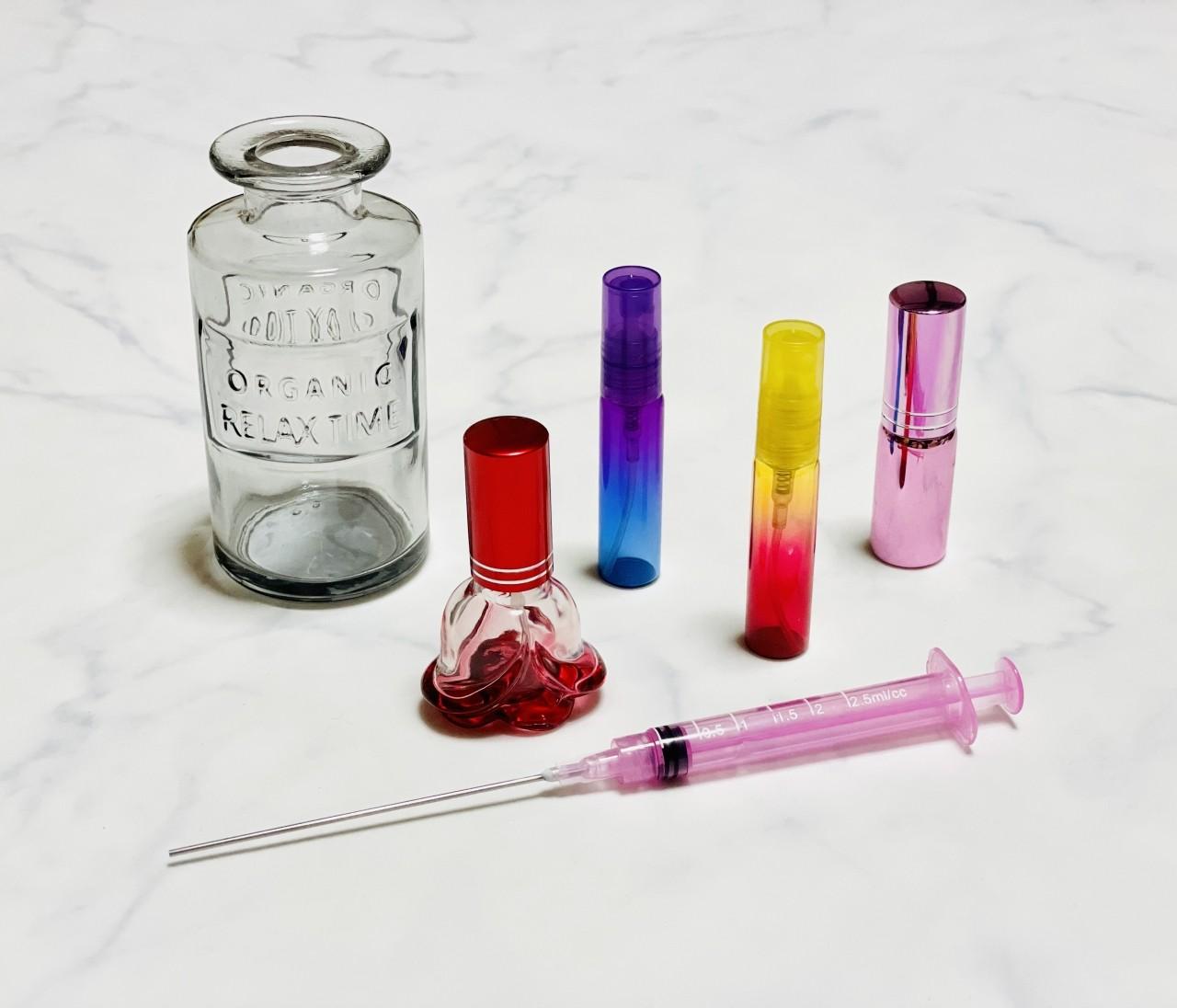 【セリア】香水用のアトマイザーで好きな香りをポーチにイン♡消毒用アルコール対応アイテムもあって超便利!