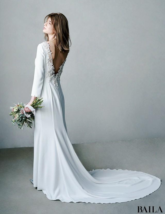 後ろ姿の美しいドレス3