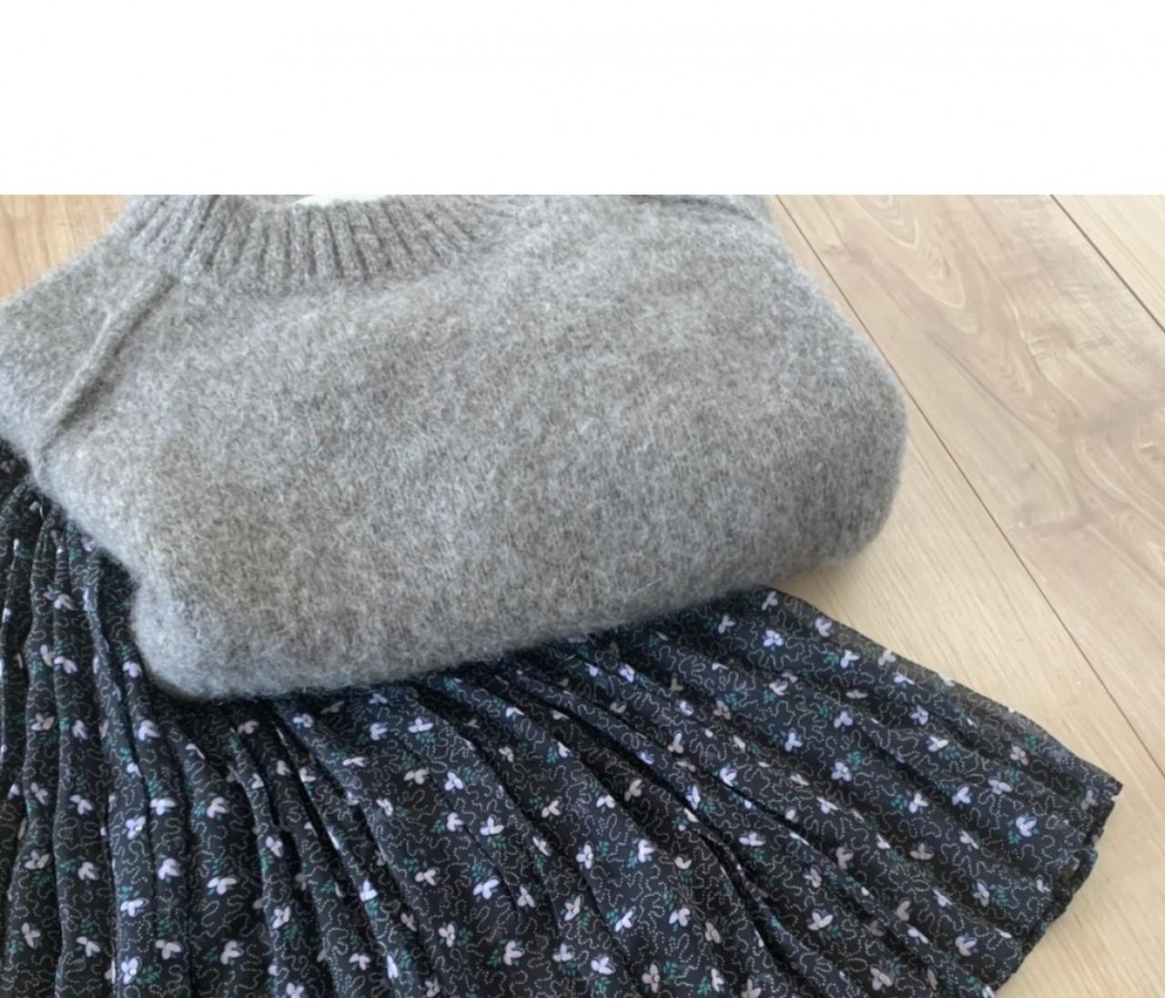 衣替え要らず!「ソレイアード」の薄軽スカートを冬ワードローブに投入【エディターのおうち私物#188】