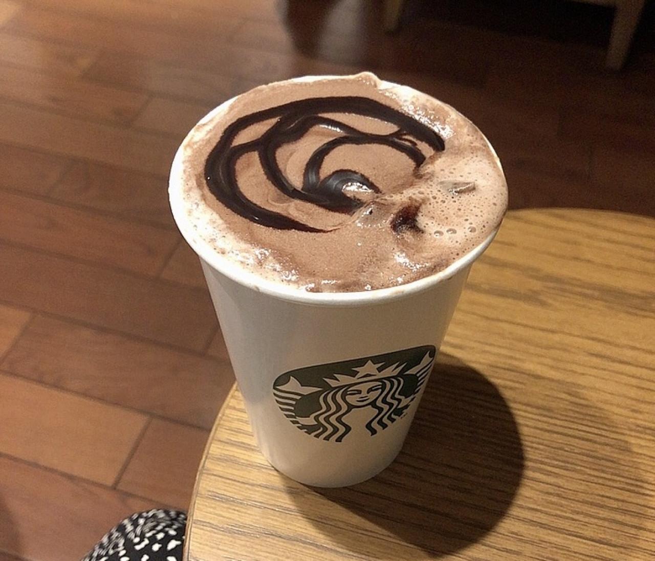 スタバ【期間限定カスタム】チョコミント好き必見ドリンク!