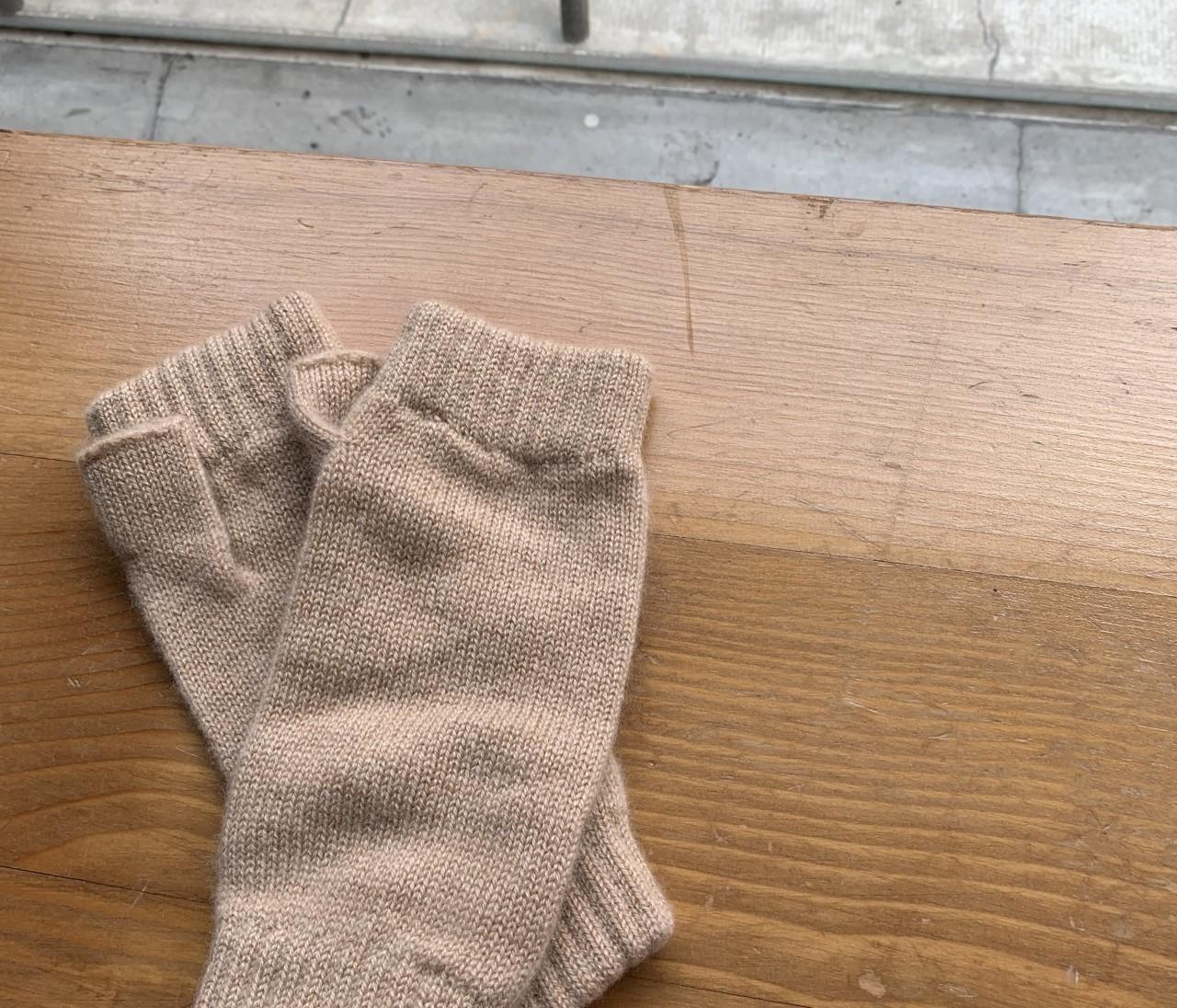 スマホが使えて暖かい!ギフトにもぴったりなカシミア手袋【エディターのおうち私物#192】