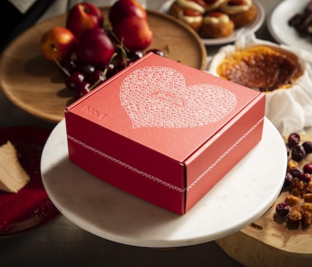 パッケージも味も最高♡話題のレストラン「golosita.」の飛び売れチーズケーキにバレンタイン限定パッケージが登場