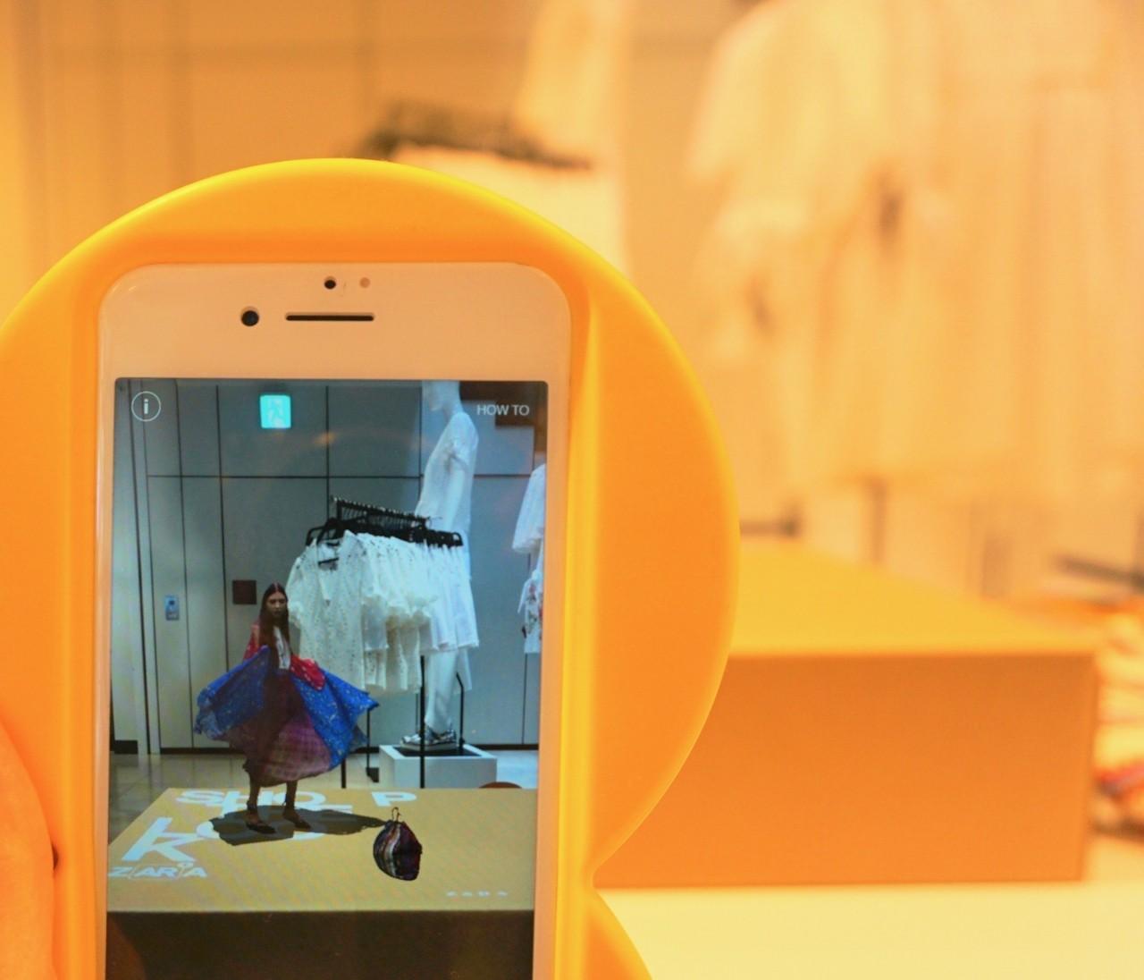画面のなかでモデルが動く&しゃべる!【ZARA AR】アプリ期間限定体験
