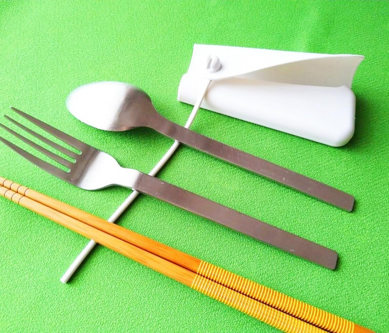【無印良品】お箸やフォークはもちろん意外な活用法も。「シリコーンカトラリーカバー」がエコで使える!