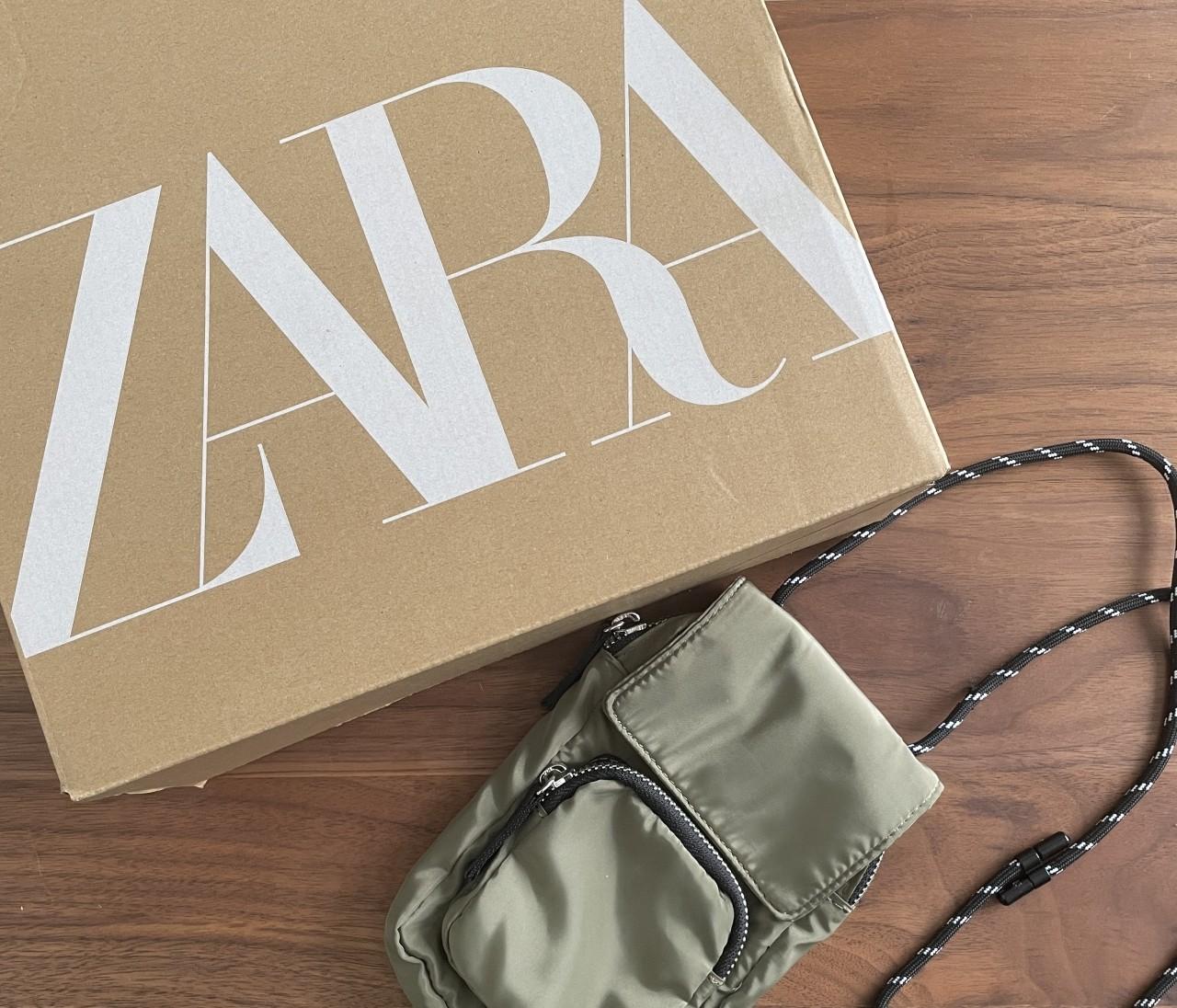 【ZARA(ザラ)】のセールでGET! スマホケースがバッグ感覚で使えて便利♡【身長150cmエディターchiakiの30代おしゃれTIPS】