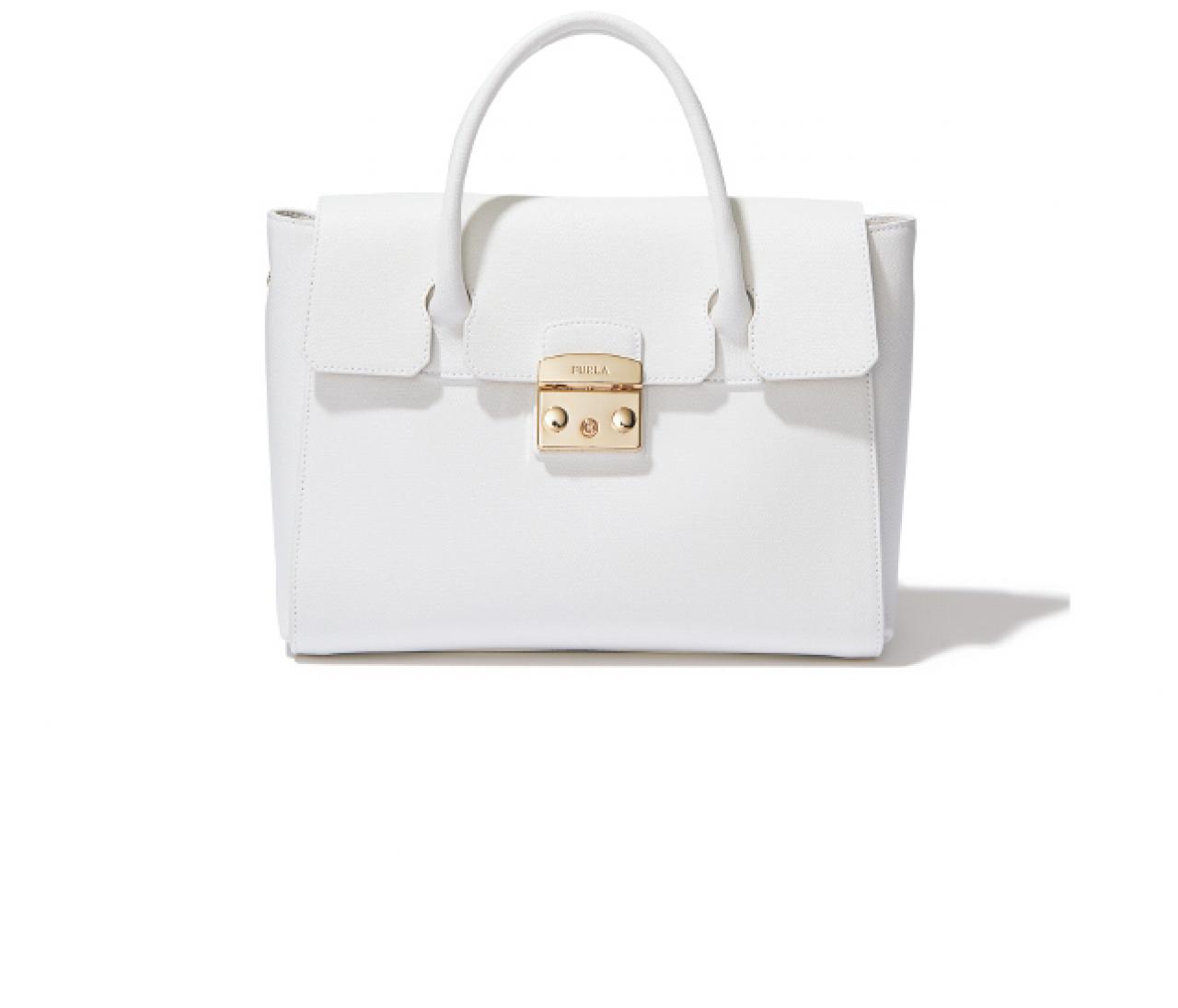 靴とバッグを「白」にしたらいい5つの理由