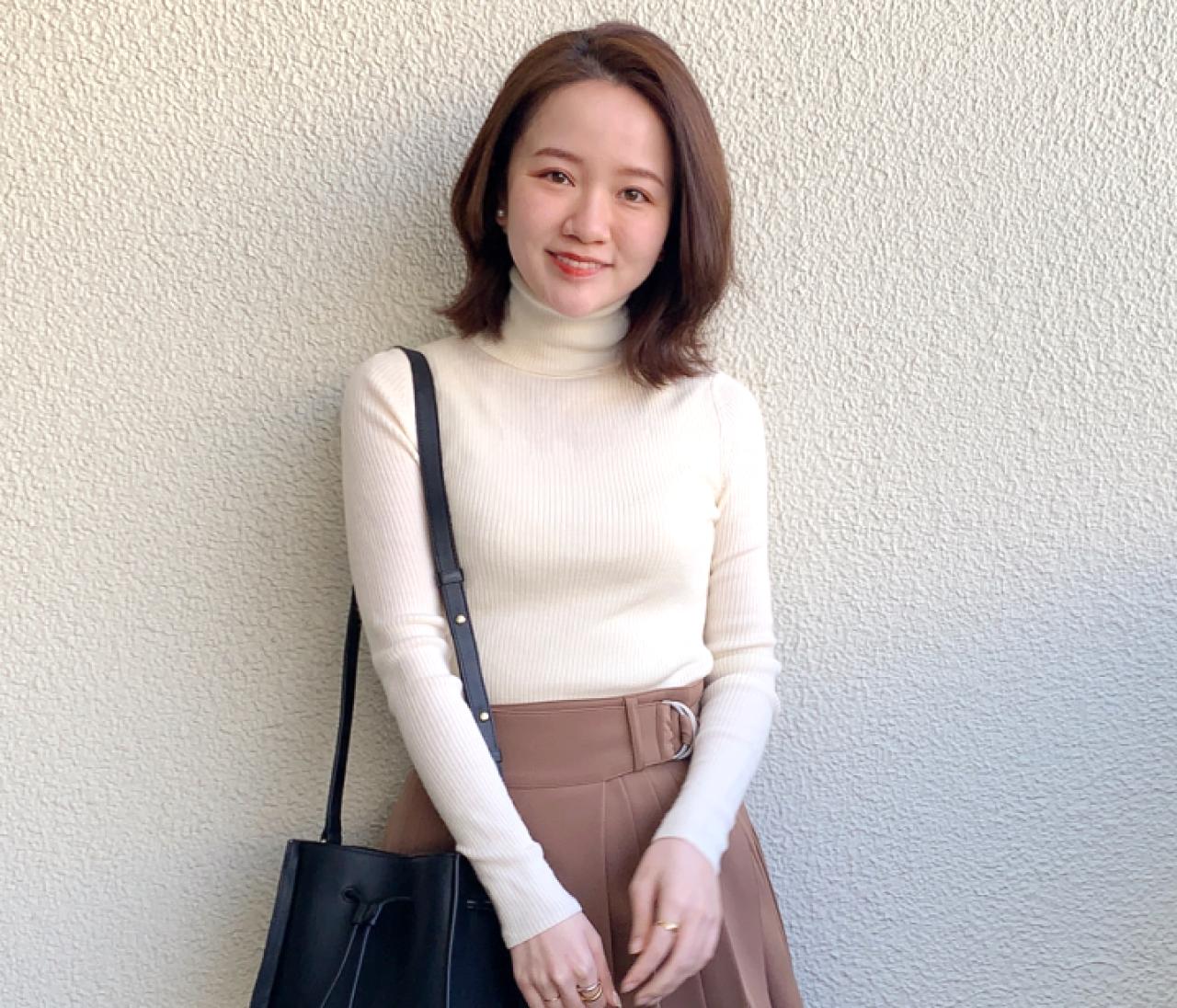 【ユニクロ|Sサイズコーデ】美シルエットを叶えるリブタートルネックセーターって?